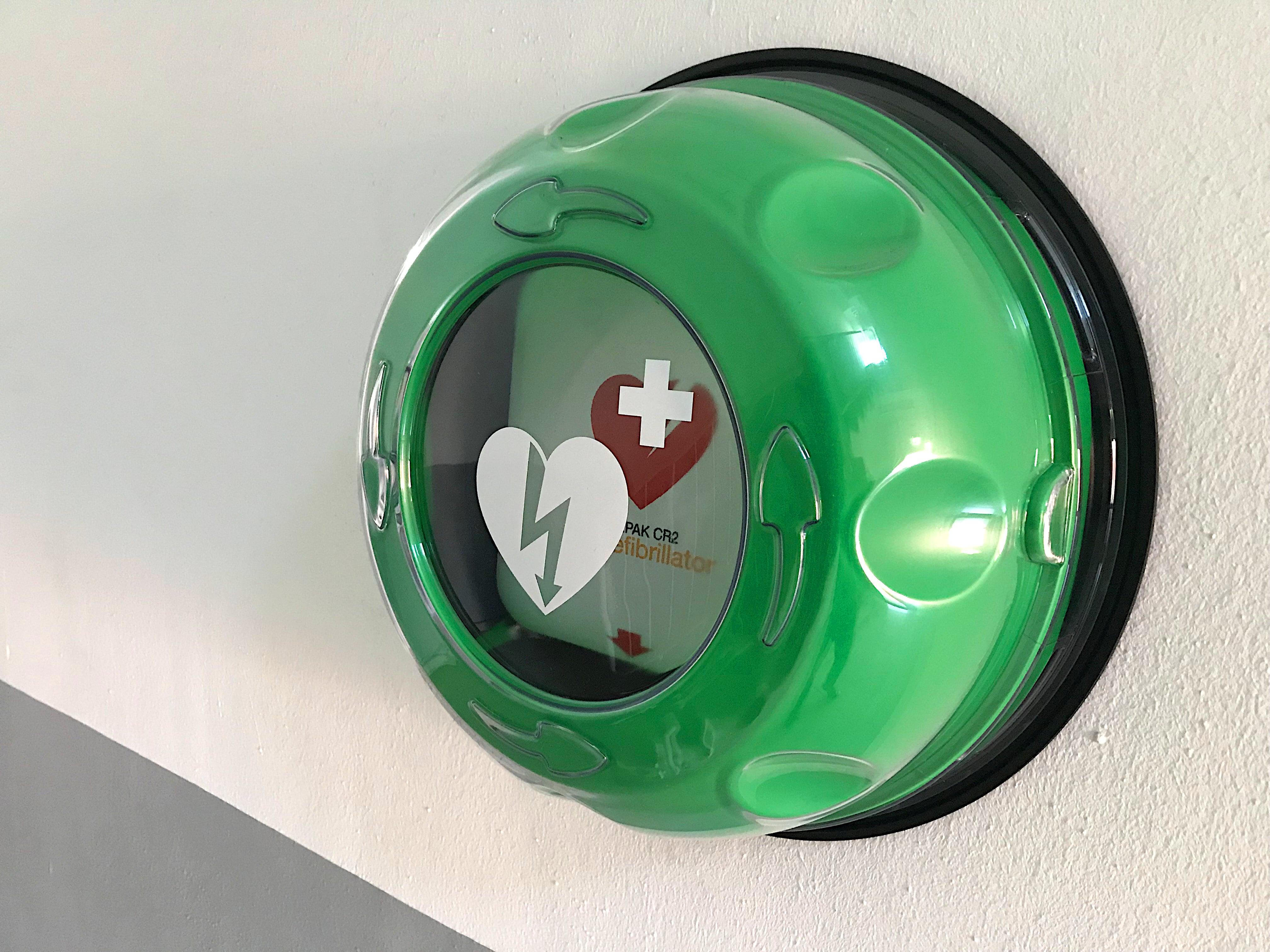 Defibrillator als Sicherheitsmaßnahme